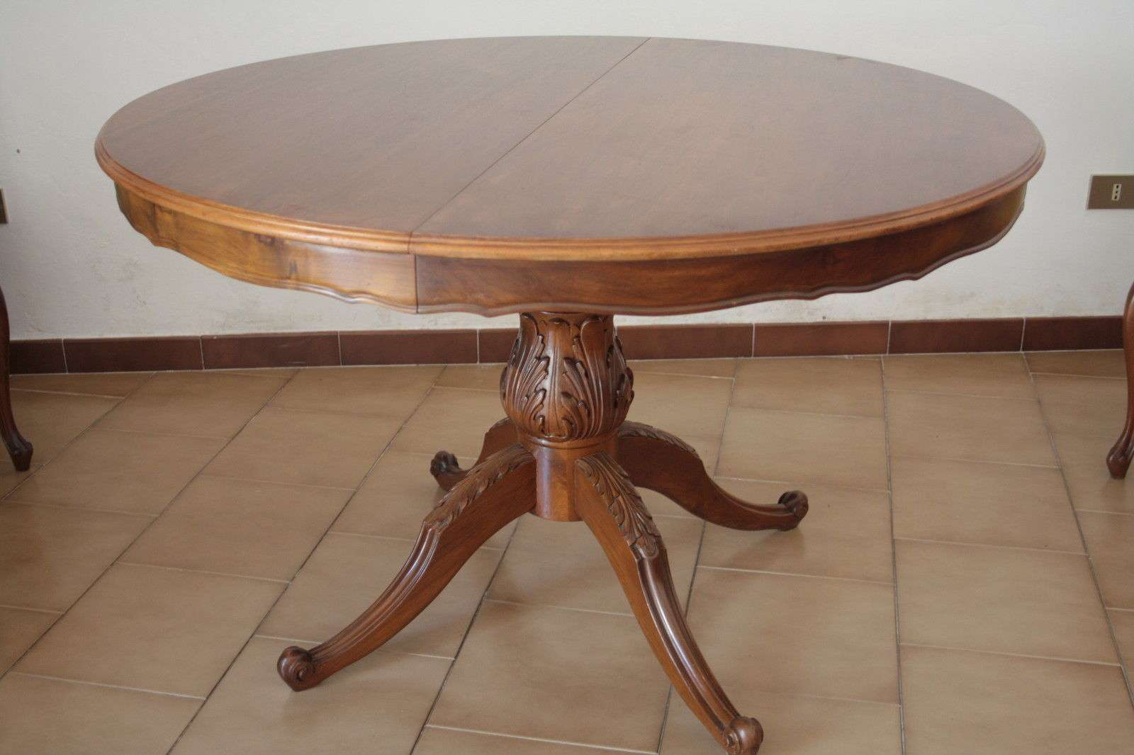 Tavolo allungabile noce massello (sei sedie coordinate in un altra ...