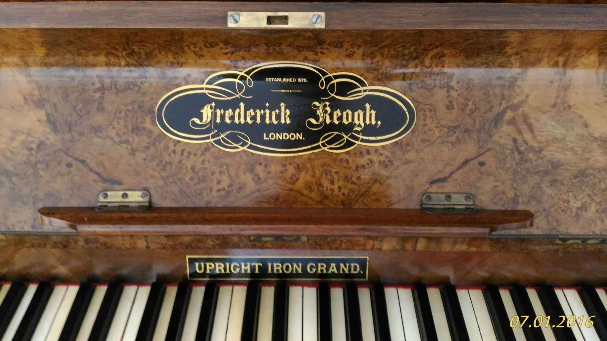 Pianoforte Vittoriano 1870 Londra