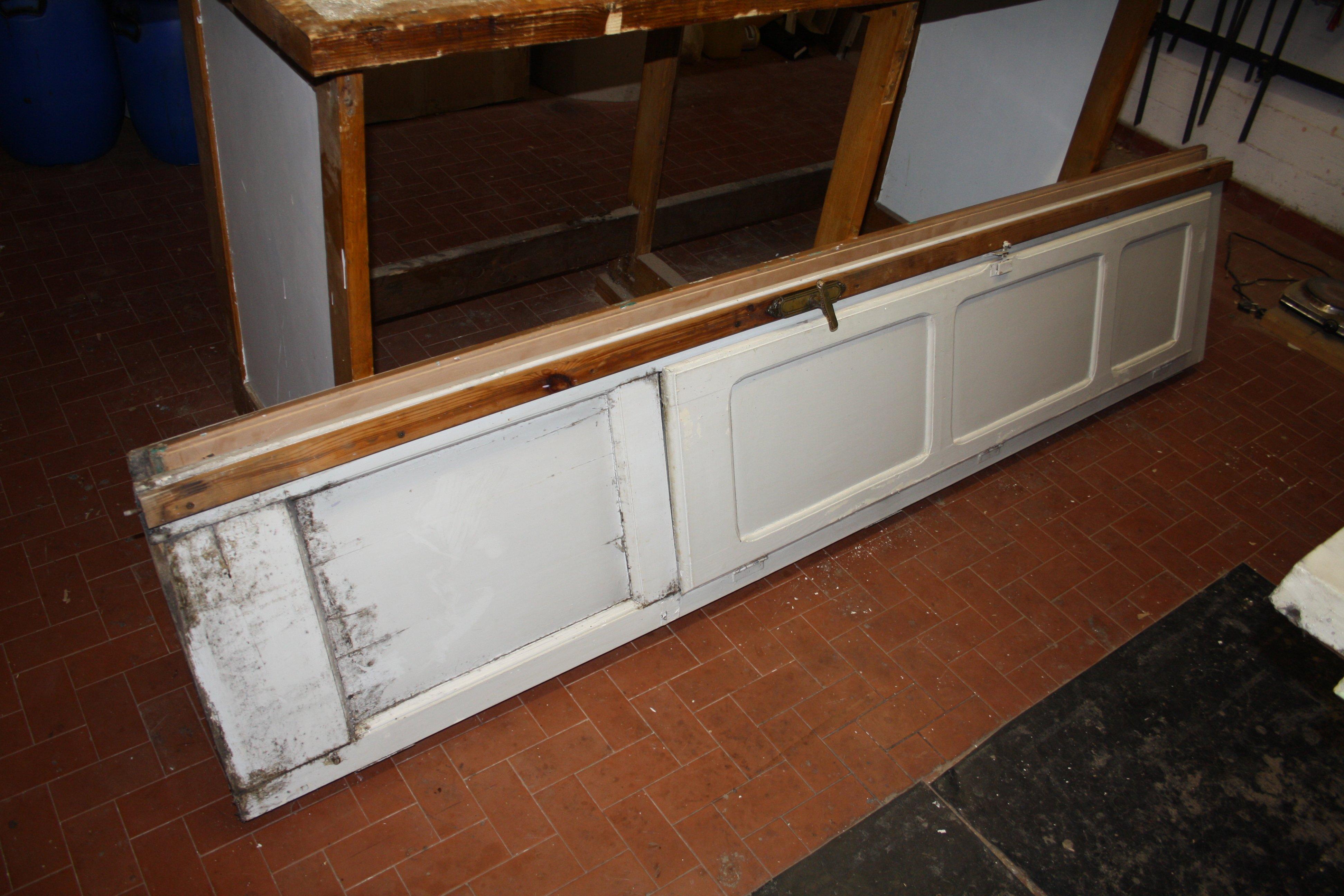 Ristrutturazione di una serie di infissi in legno di castagno conservazione e - Ristrutturazione finestre in legno ...